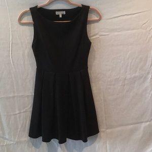 Little Black Dress with pleats by monteau